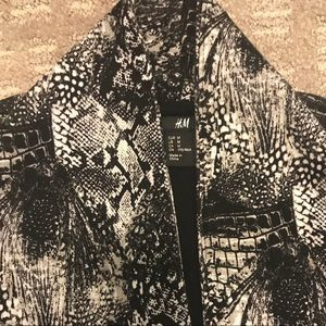H&M snakeskin 3/4 sleeve cropped blazer oversized